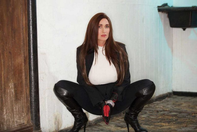 Over knee leather boots and leather gloves Miss Hybrid boots and gloves in the stables.